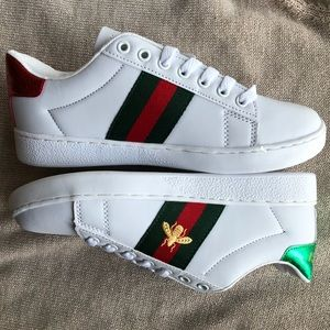 New Gucci Ace Embroidered Bee Shoes